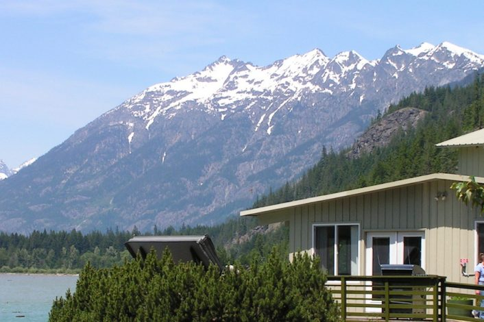 Cabins with Kitchens | Accommodations | North Cascades Lodge at Stehekin