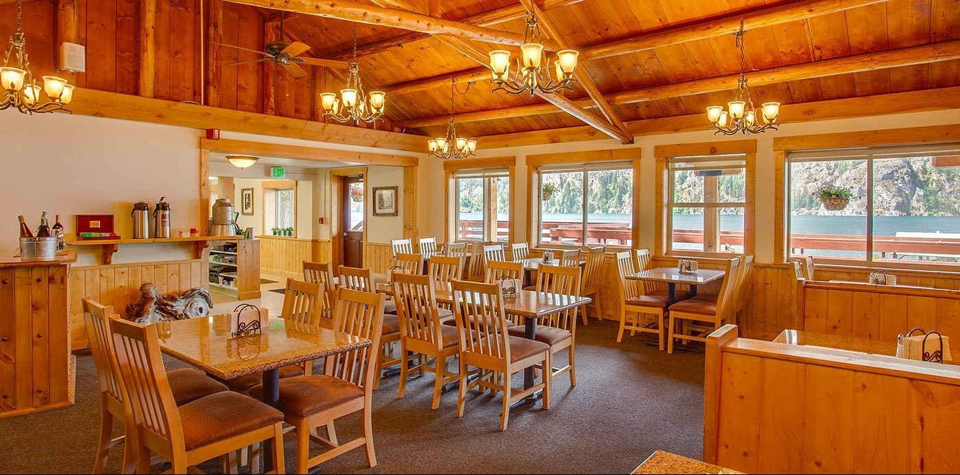 Restaurant Interior | North Cascades Lodge at Stehekin